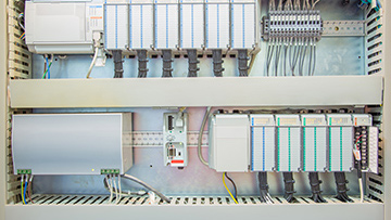 Programmable-Logic-Controllers-IO-Communication.jpg
